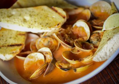 drunken red curry clams