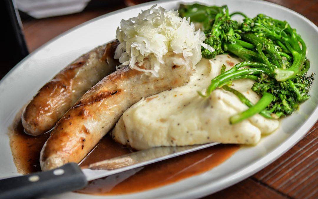 how to make gravy for bangers and mash